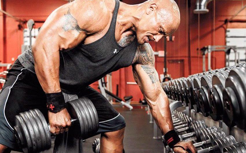 Quali sono alcuni dei vantaggi di provare diversi tipi di attività fisiche ed esercizi?
