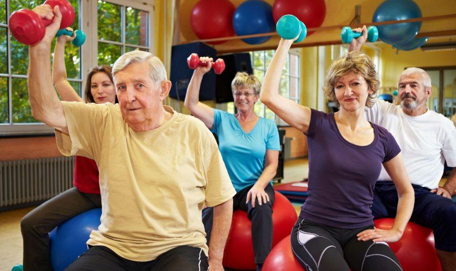 Suggerimenti per evitare lesioni durante l'allenamento per gli over 65